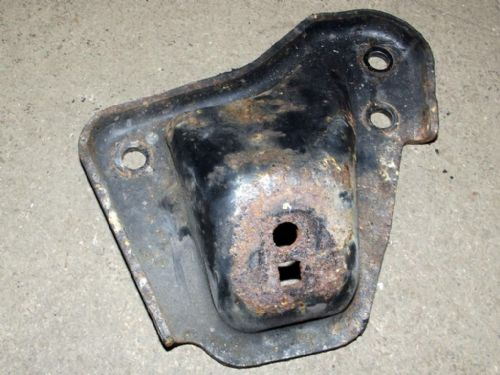 Engine mounting bracket, r/h, MX-5 1.8 mk2, NC1039020, USED